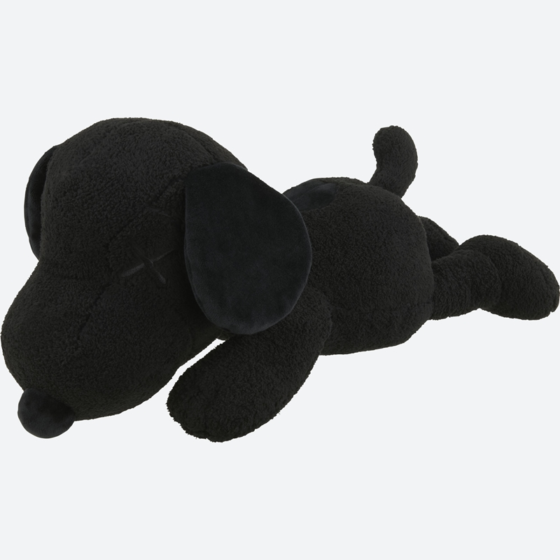 UT KAWS x PEANUTS All Black Collection (7)